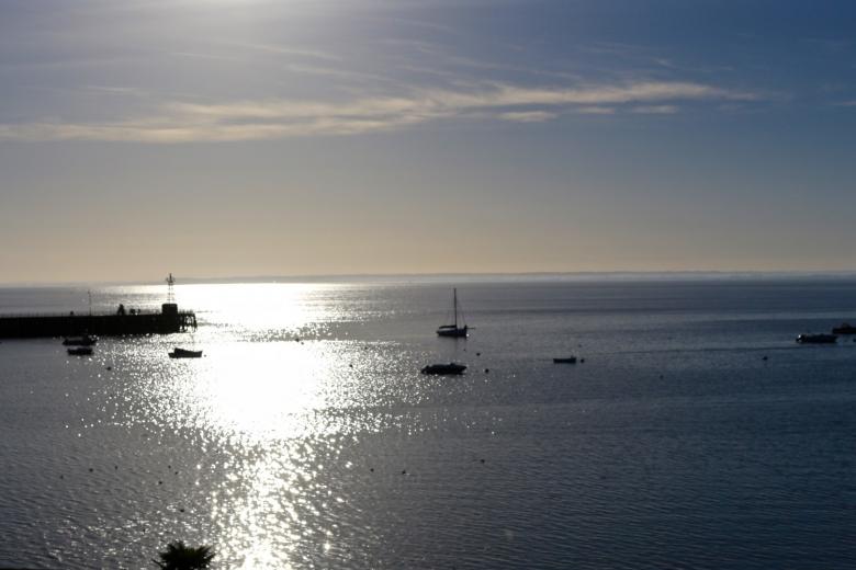 Vue sur la mer à partir du port de Cancale